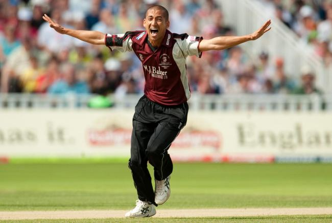 Alfonso Thomas has joined Sussex on a month's loan