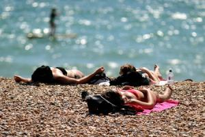 Day trips to seaside on the up – but overnight stays decline