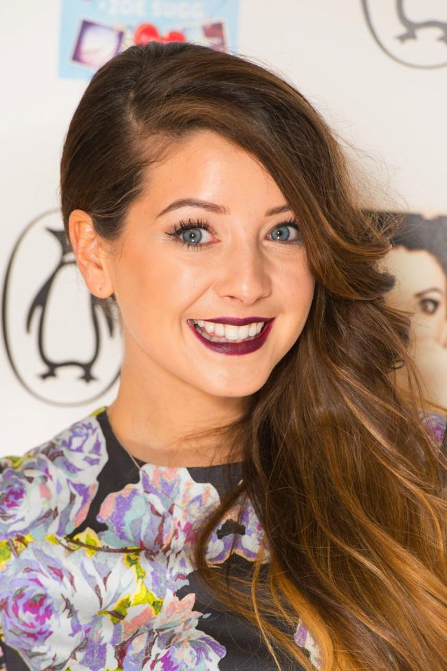 Zoella just compiled the ultimate Christmas jumper collection and ...