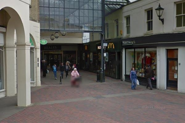 man injured after fight in mcdonalds the argus the incident happened at mcdonalds in liverpool road worthing