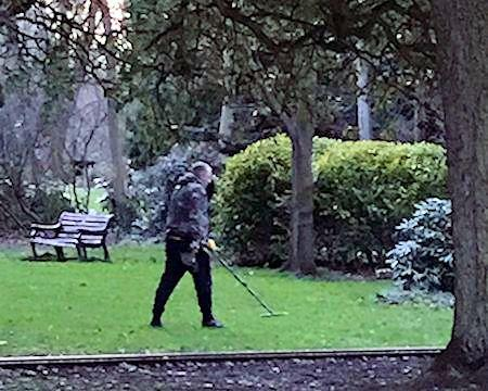 Metal detecting banned in park