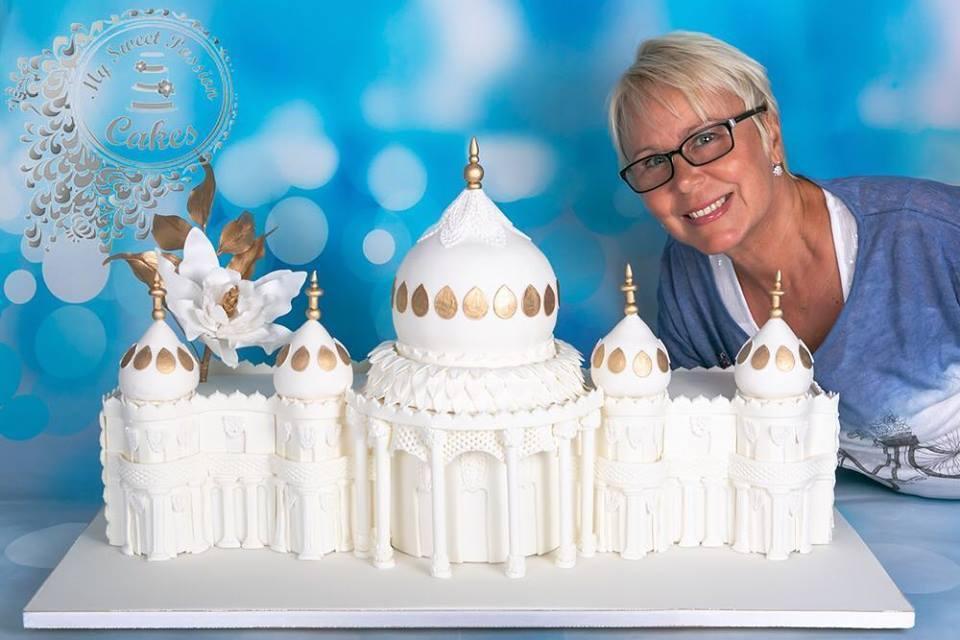 Couples Amazing Royal Pavilion Wedding Cake Stuns Guests The Argus