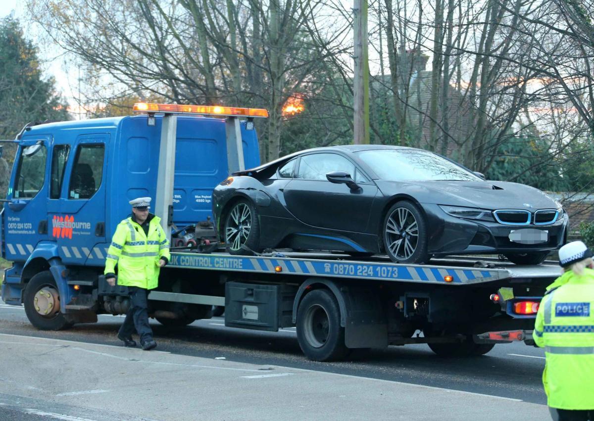 driver hurt in bmw crash on a27 durrington the argus