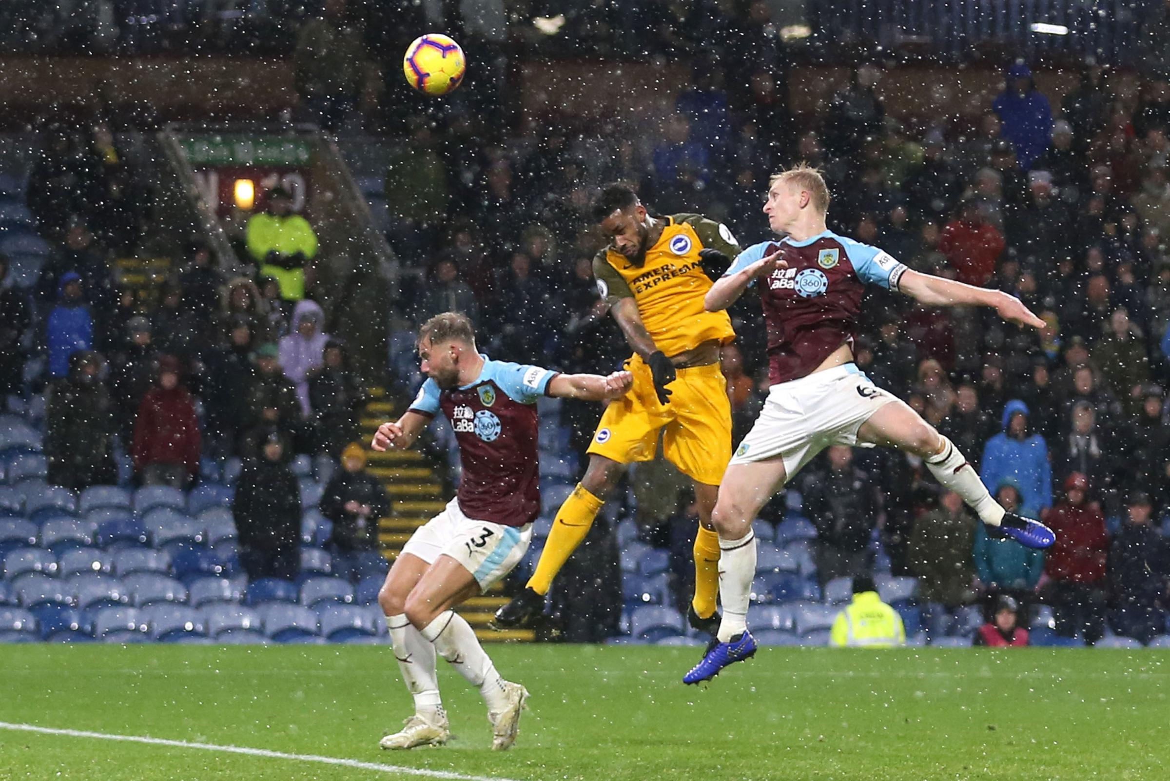 Locadia misses big chance to make impact for Albion