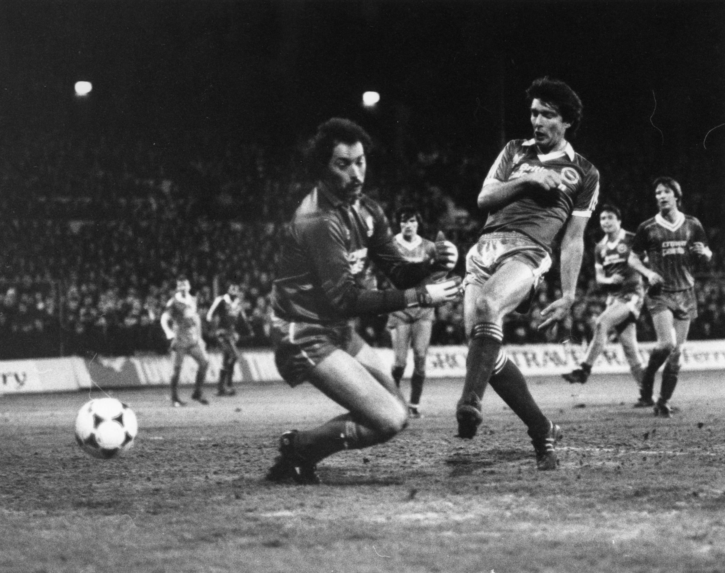 Gordon Smith goes close last time Albion played at home to the top-flight league leaders - almost 36 years ago