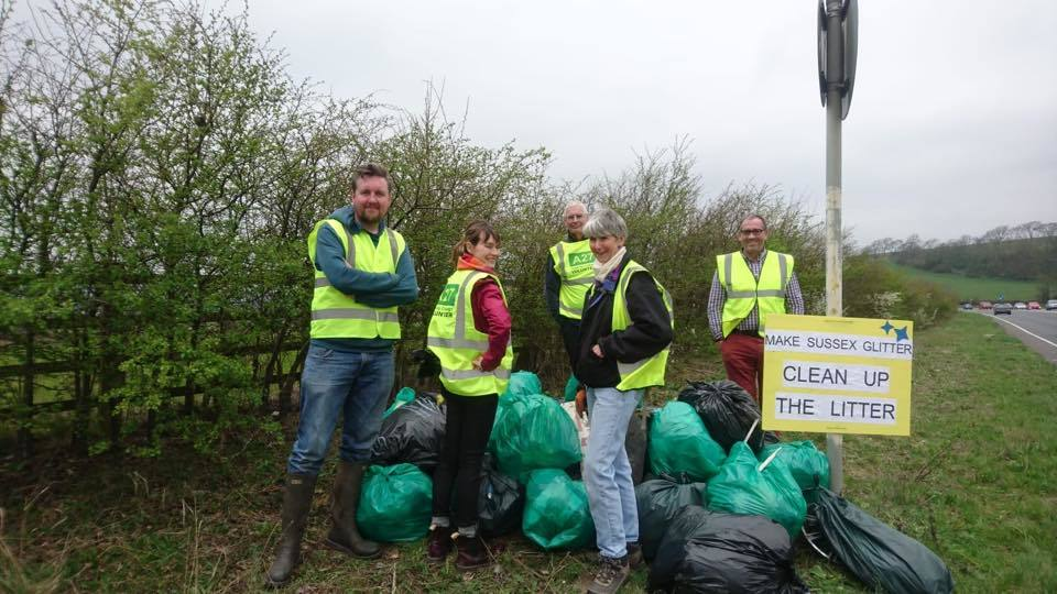 A27 Clean Up campaigners pick litter near Lewes